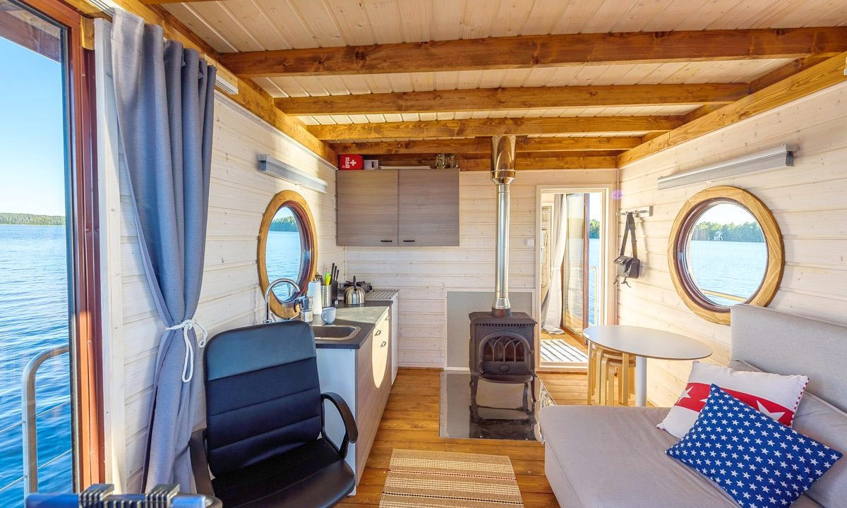 luxury houseboat in Finland