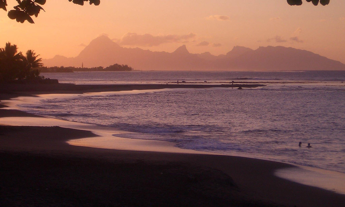 best beachs in tahiti