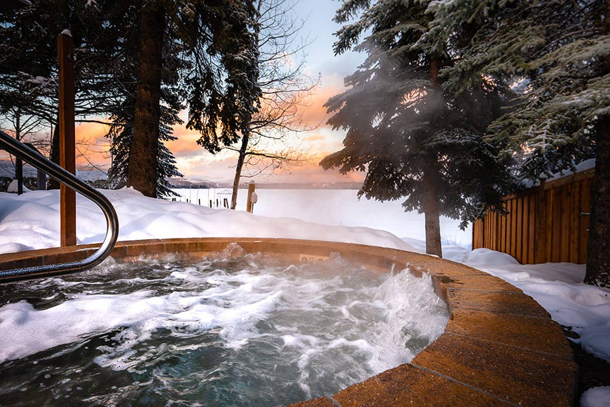 hot tub at shore lodge resort in mccall idaho